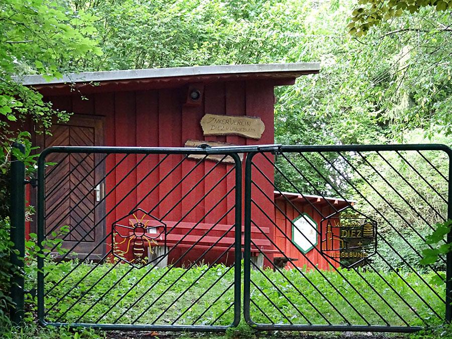 Unser Vereinsheim mit Lehrbienenstand